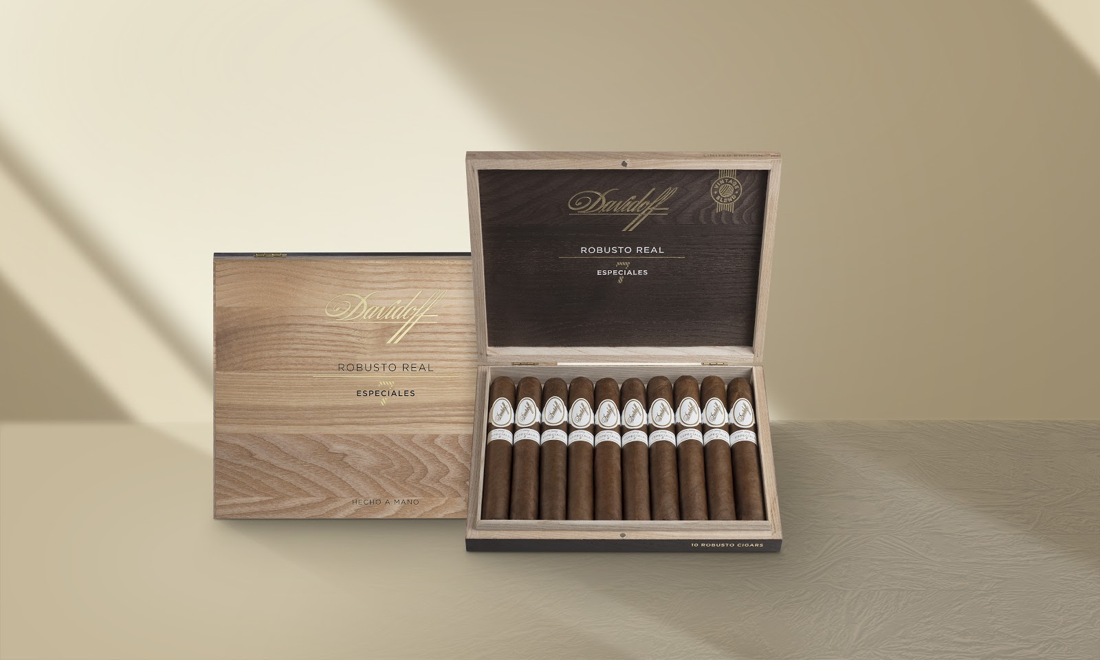 Ground Breaking Davidoff Robusto Real Especiales 7 Hits Regency Cigar